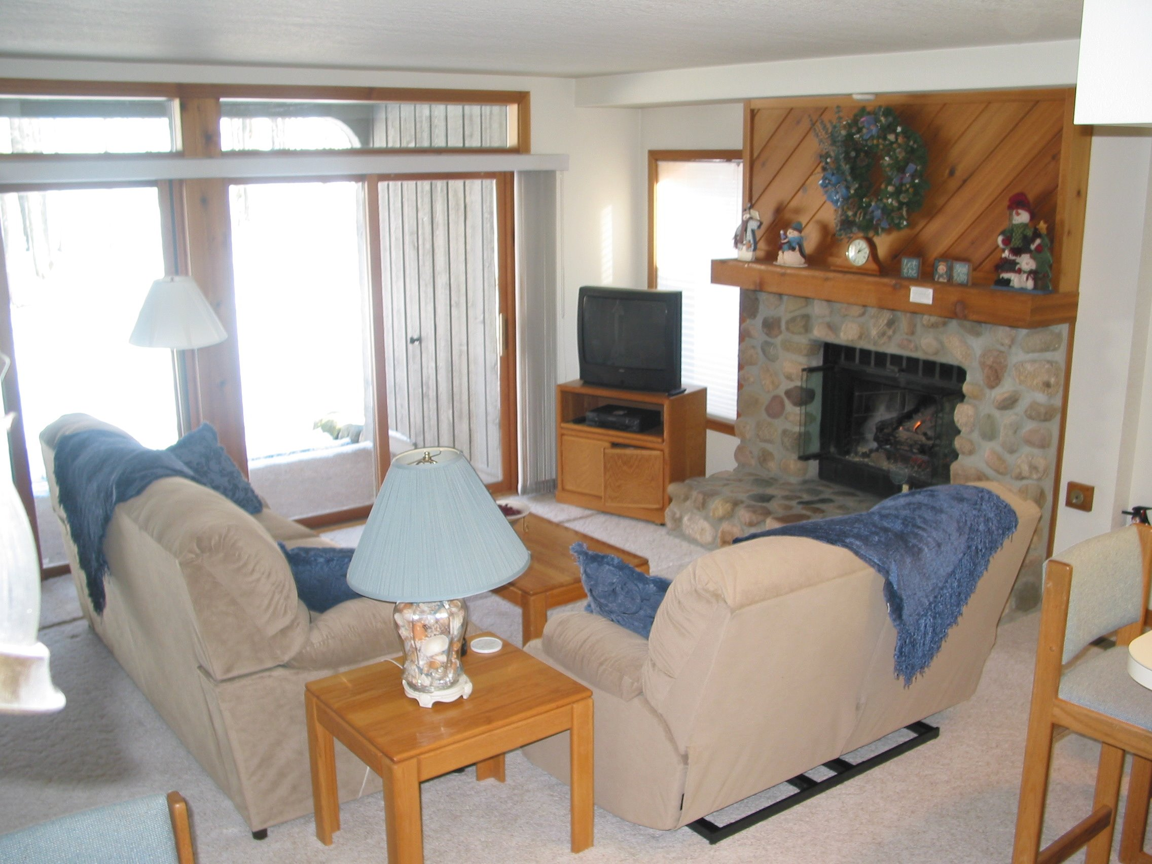 114-1497_IMG Living Room